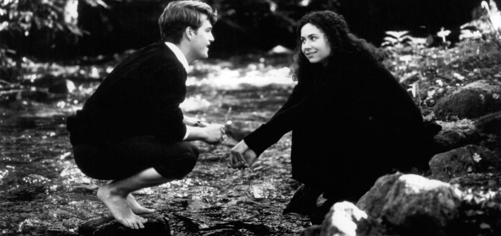 minnie-driver-and-chris-odonnell-in-circle-of-friends-(1995)